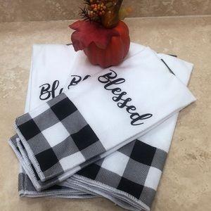 Black & White Kitchen Towels (4)